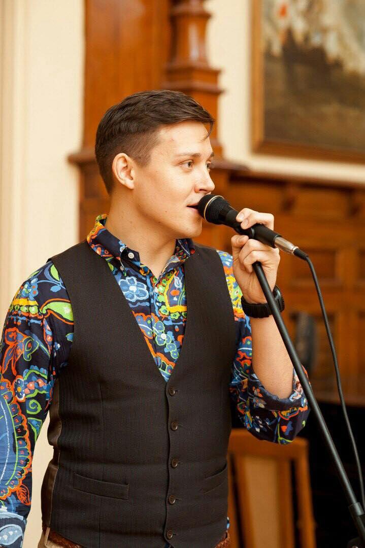 Pavel zpívá