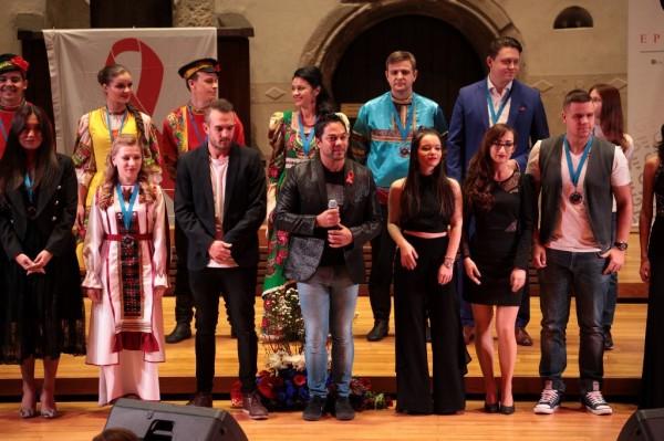 Parči zpívá hymnu festivalu