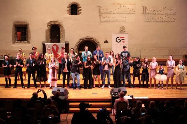hymna a Parči s účastníky
